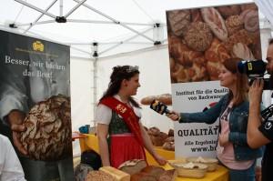 Der Brotmarkt weckt Medien-Interesse