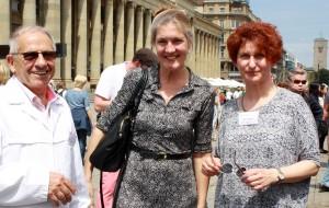 Brotmarkt-Erfinder Rudolf Frank mit Bezirksvorsteherin Veronika Kienzle (Mitte) und Manuela Bilger von der Hoppenlauschule